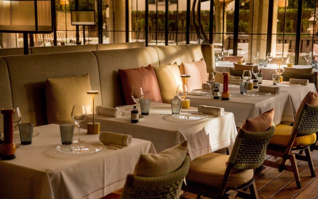 Cucina-Byblos-Saint-Tropez-alain-ducasse-3-1600x1000
