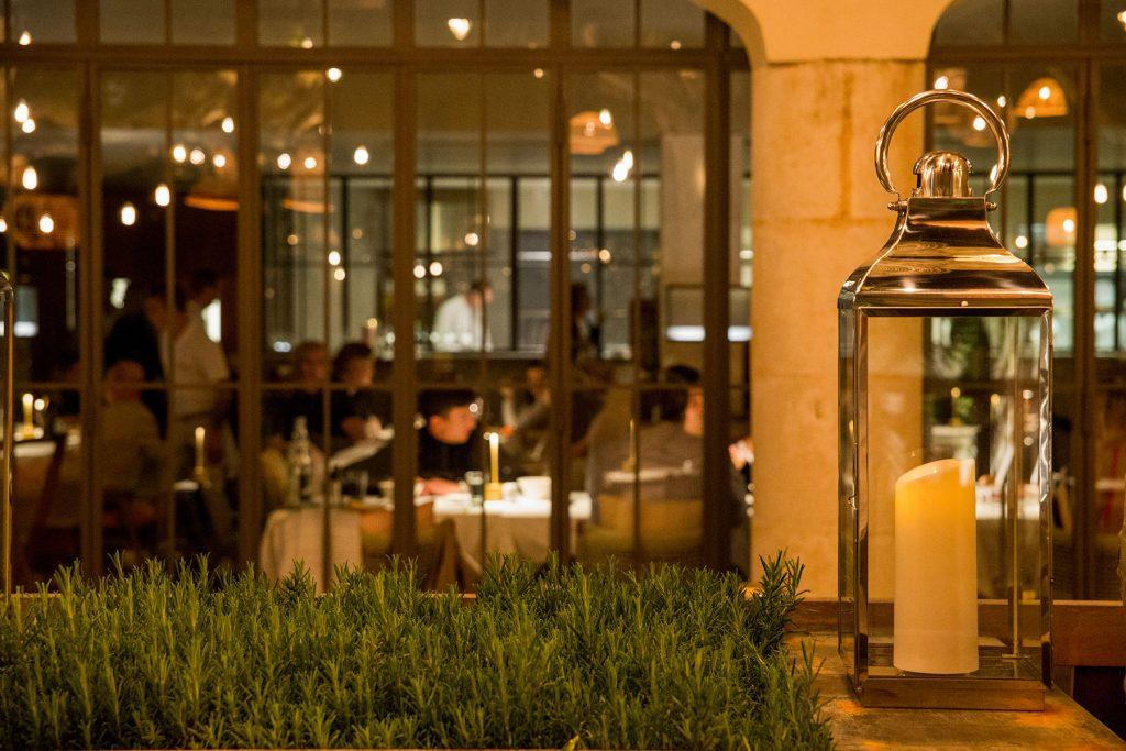 Cucina-Byblos-Saint-Tropez-restaurant