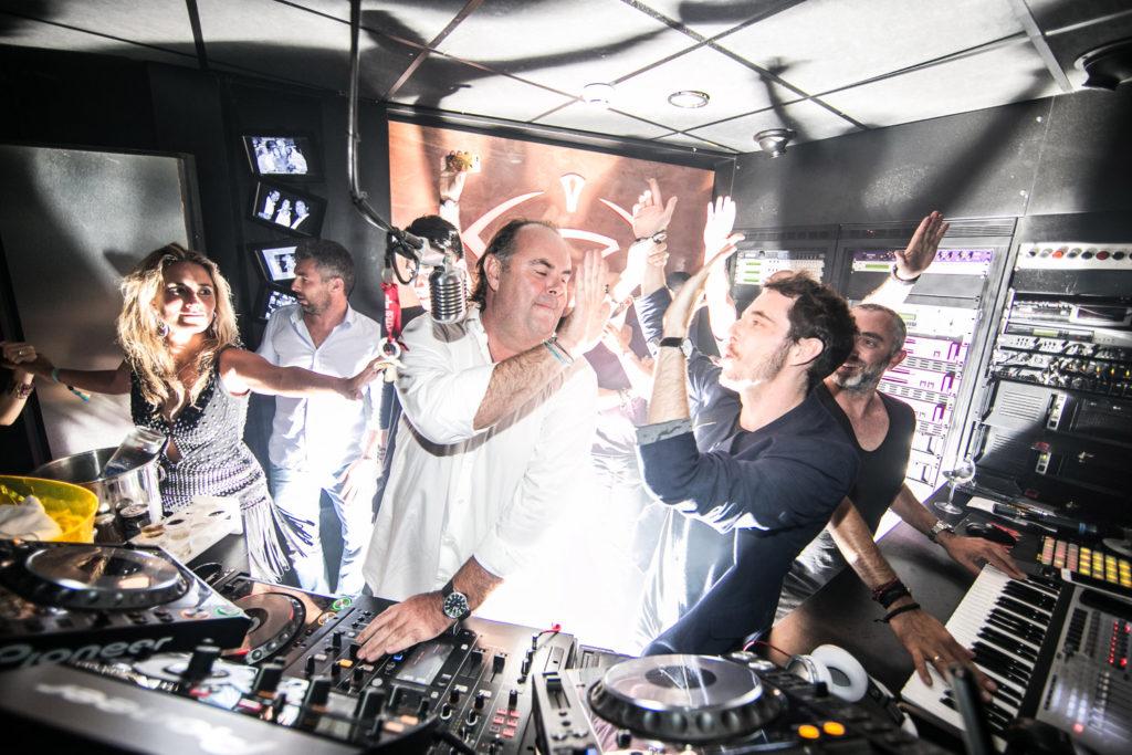 DJ-Jacke-lescavesduroy-saint-tropez