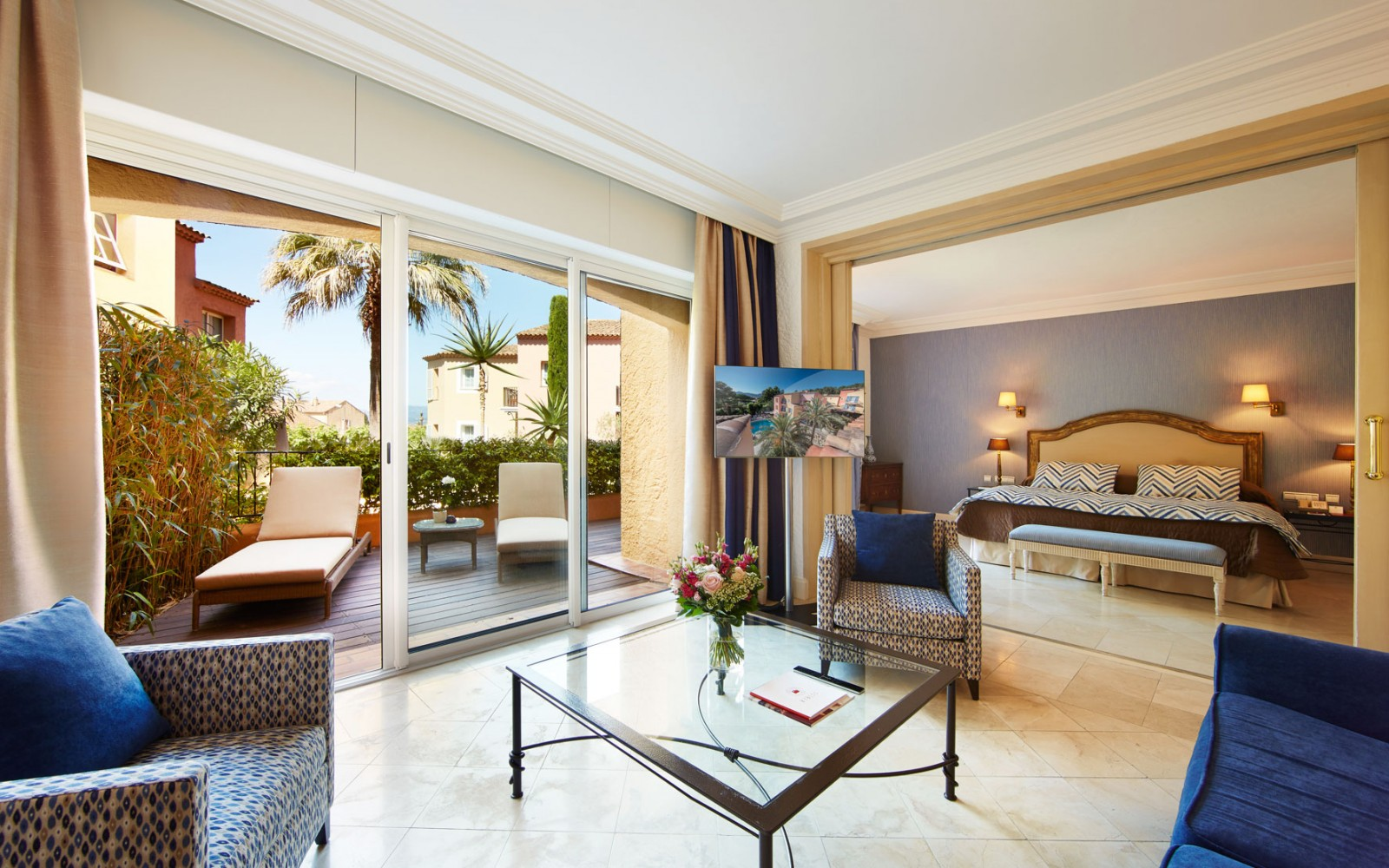 Hotel_Byblos_Saint-Tropez_Suite-Junior-127-1600x1000