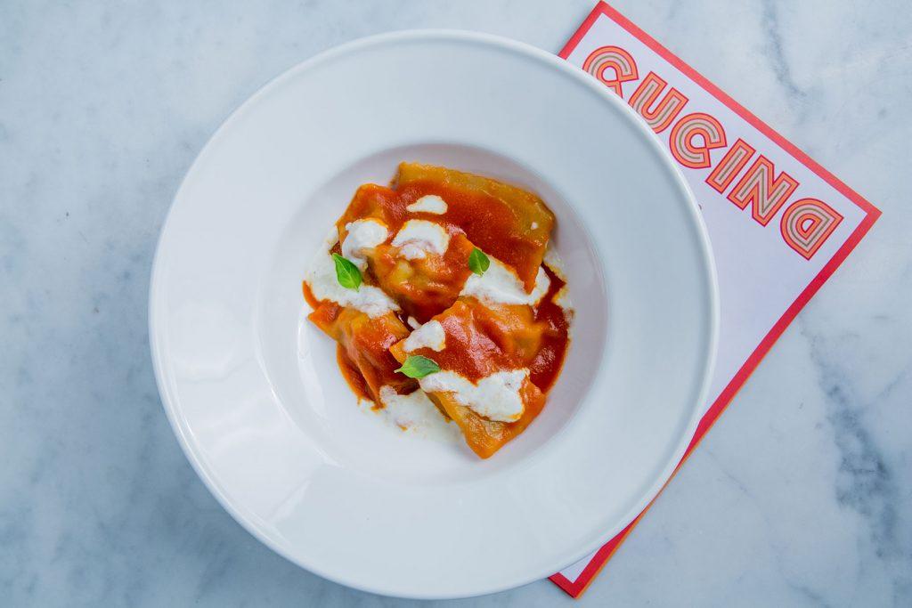 Ravioli-de-tomate-rotie-et-burrata-Cucina-Byblos_Hotel-Byblos-Saint-Tropez