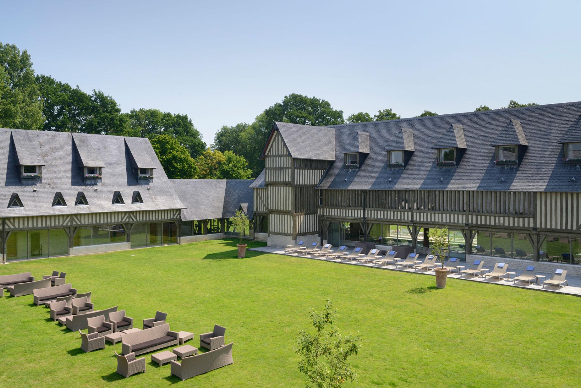 les-manoirs-de-tourgeville-deauville-hotel