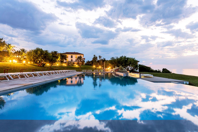 Hotel-La-Reserve-Saint-Jean-de-Luz_Piscine_SwimmingPool-(9)